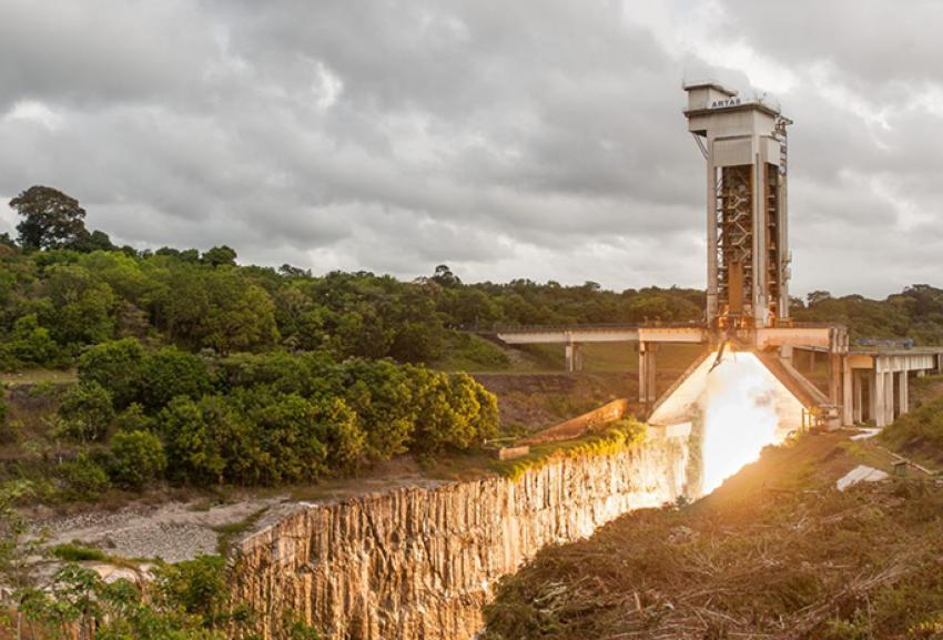 09 SEP 2016 AVIO ONCE AGAIN CONFIRMS RELIABILITY  Firing test of the Solid Rocket Motor (MPS) of the Ariane 5 booster in Kourou,
